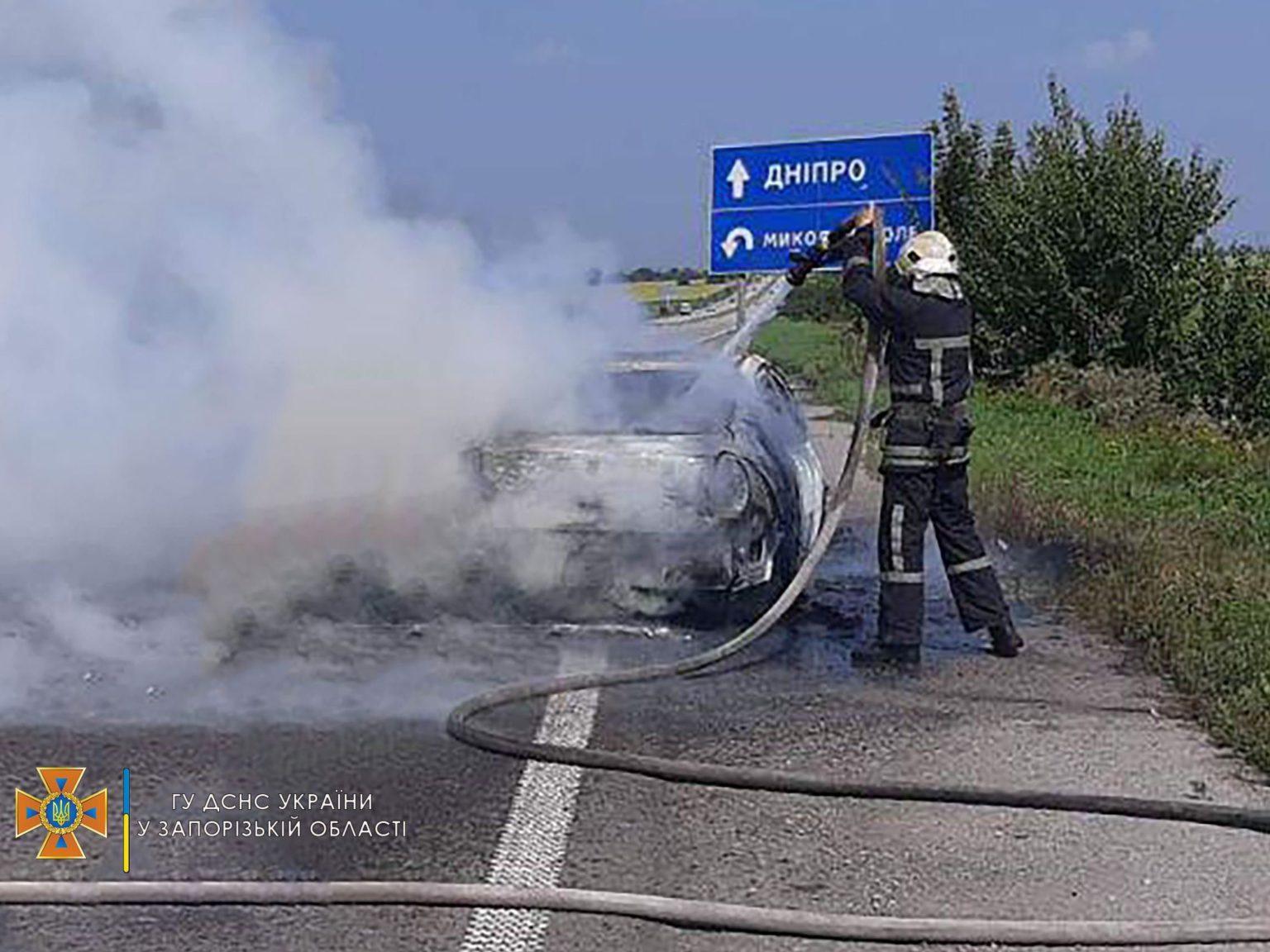 Біля Миколай-Поля палав автомобіль